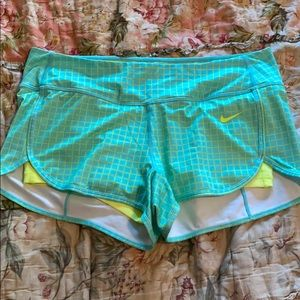 New w/out tags Nike Shorts with spandex underneath